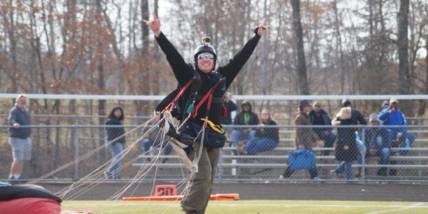 "Kevin Reynolds: The ""Professional's"" Skydiver 
