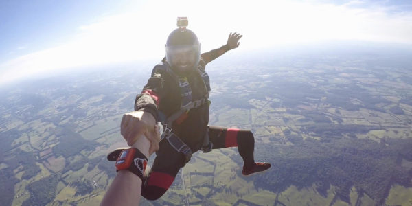 FIVE TIPS FOR SELECTING A PROFESSIONAL SKYDIVING CENTER | Skydive Orange