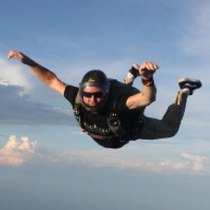 Dave Harris Skydive Orange AFF Student