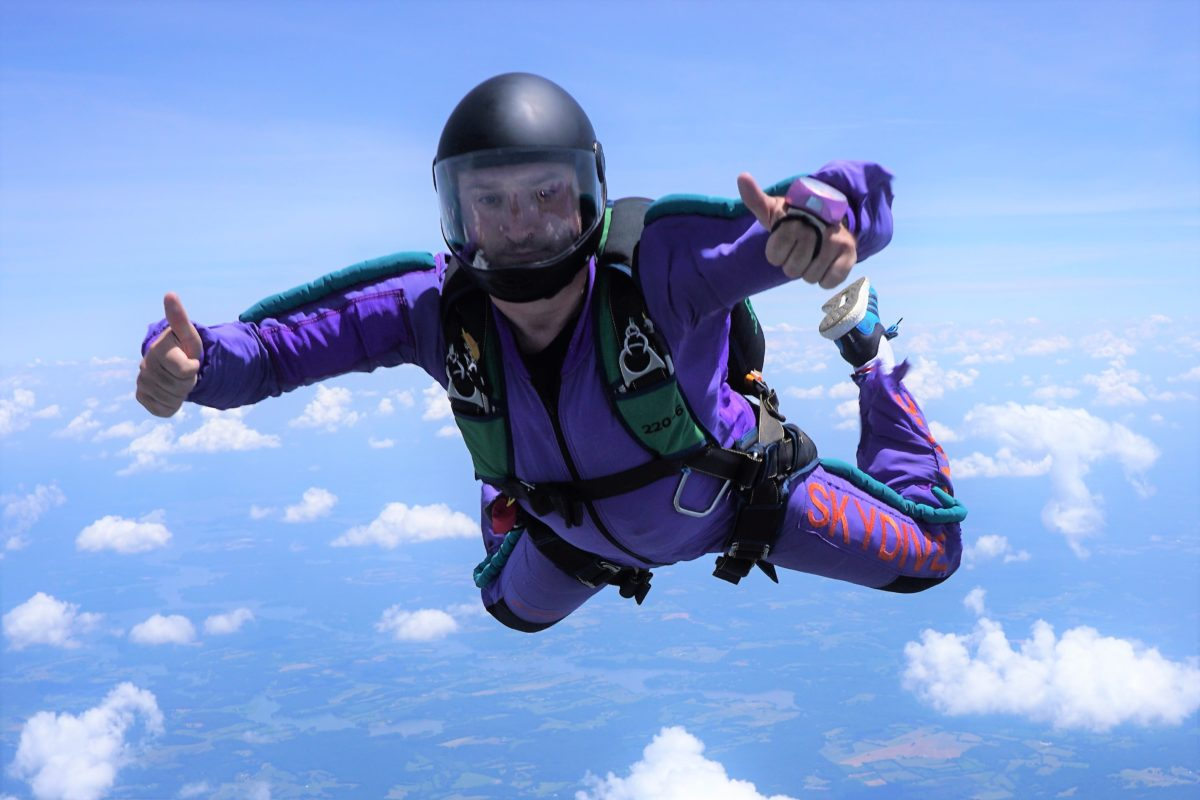 5 Reasons To Try AFF   skydive orange