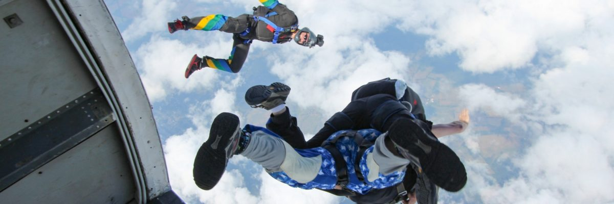 camera flyer captures skydiving video