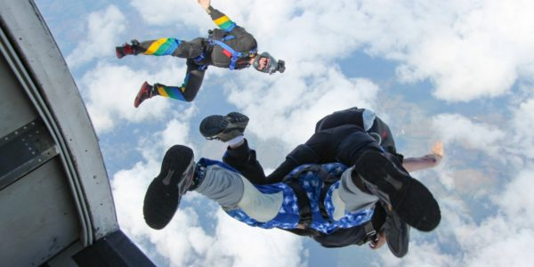 camera flyer captures skydiving video