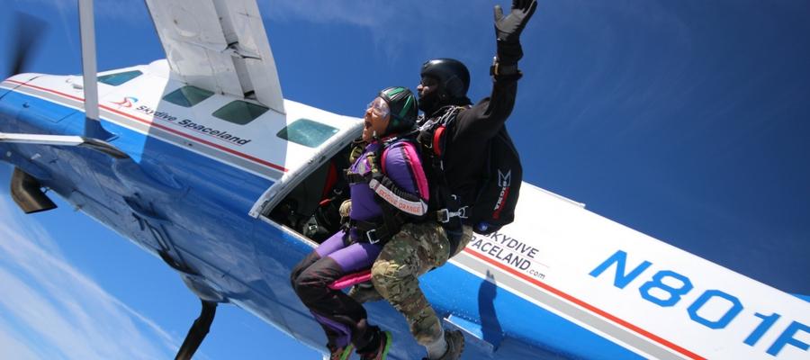skydiving exit shot at Skydive Orange