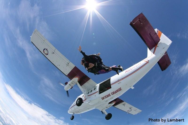 tandem skydiving exit at Skydive Orange
